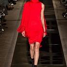Рокля в червено от Givenchy