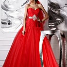 Червени абитуриентски рокли