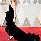 Бри Ларсън в рокля на Oscar de la Renta