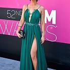 Певицата Марън Морис в рокля на Michael Costello