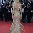 Ума Търман в Atelier Versace