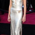 Гуинет Полтроу с рокля Calvin Klein